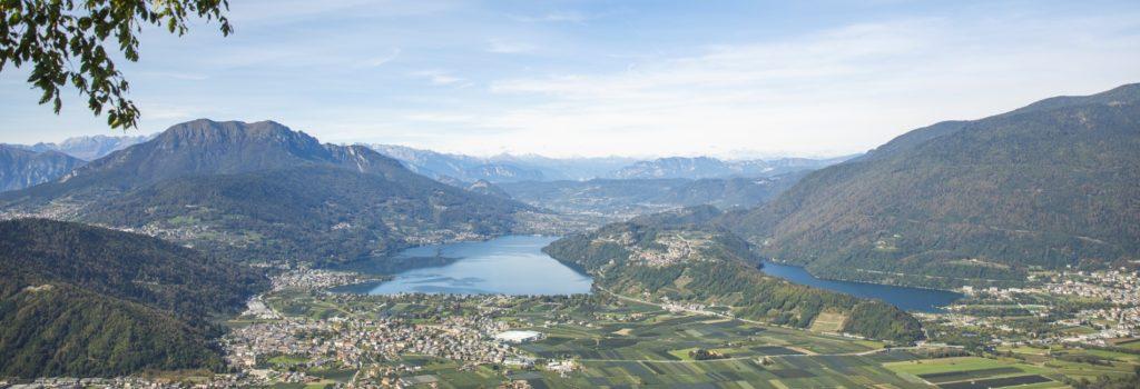 bandierablu2019 1 1024x350 - Nuotare in Alto Adige